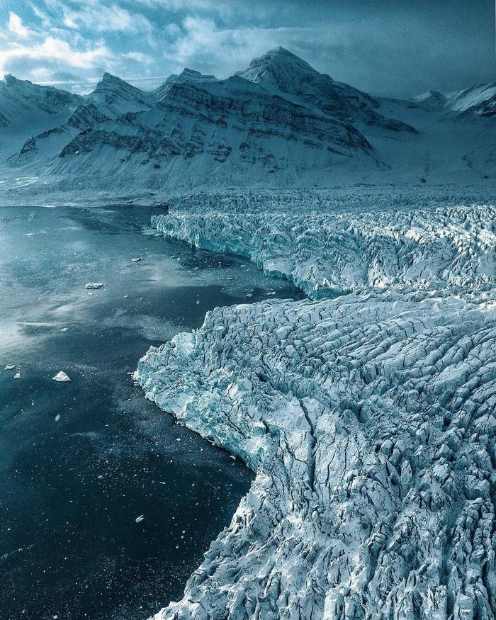 Ледяные виды на севере Шпицбергена, Норвегия
