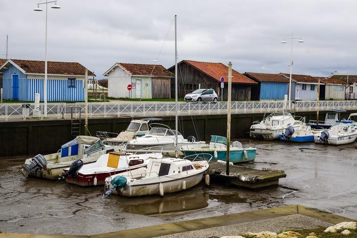 Лодки в ожидании возвращения воды. Начинающий фотограф, Природа, Лодка, Франция
