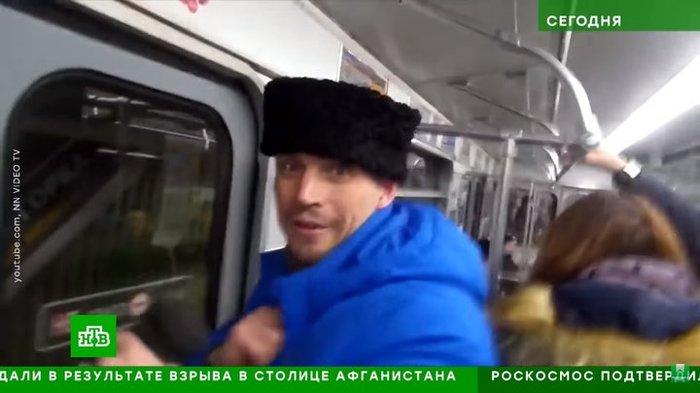 """""""Белорус"""", выгнавший """"казака"""" из вагона минского метро, нашелся. Политика, Беларусь, Неадекват, Казаки, Новости"""