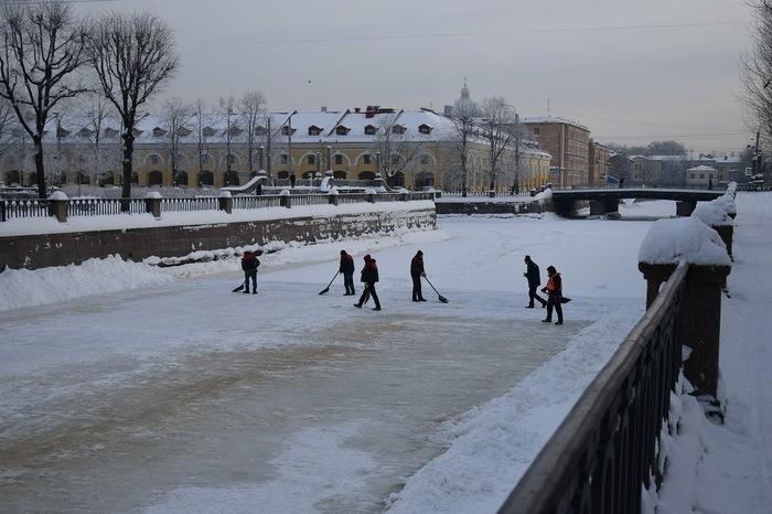 Вот они где, голубчики Санкт-Петербург, Снег, Дворник