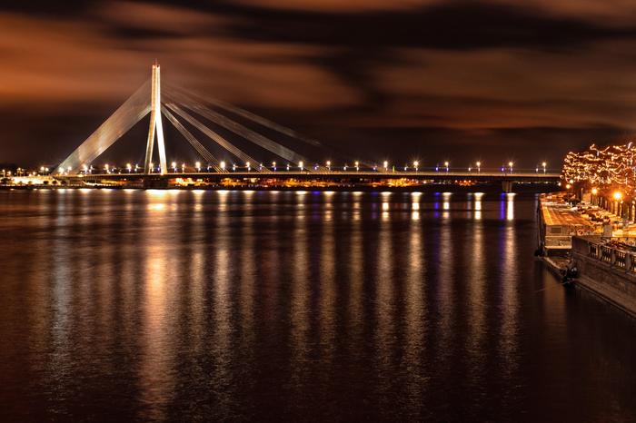 Вантовый мост ночью Фотография, Мост, Рига, Пейзаж, Ночь, Длинная выдержка, Вода, Огни