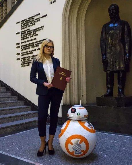 Эта девушка сделала подвижную копию BB-8 в качестве диссертации в Университете науки и техники