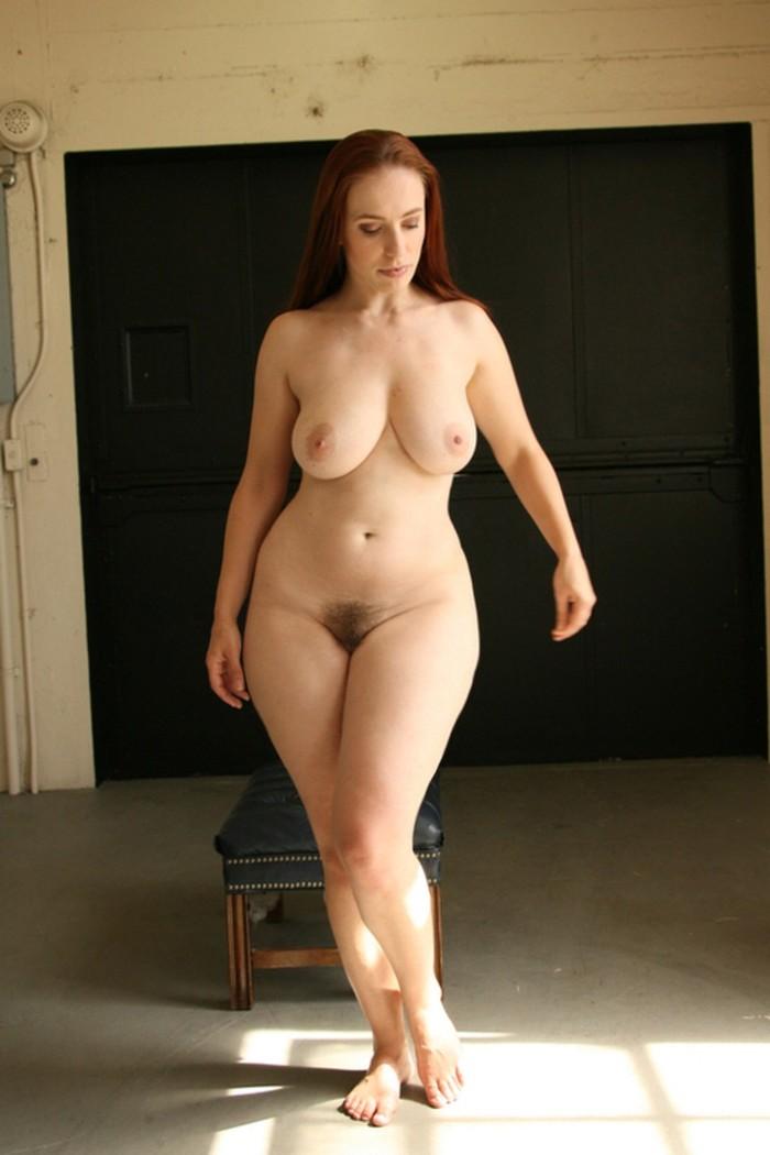 сиськи женщины с бедрами фото голые лизала