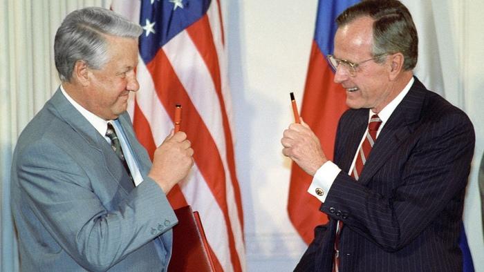 Дорогой Джордж, я закончил Россия, СССР, Развал, История, Ельцин, Джордж Буш, Предательство, Длиннопост, Политика