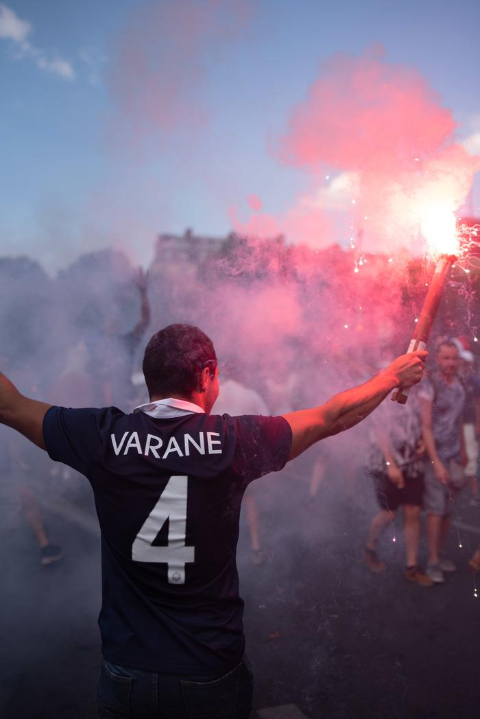 Не ходите дети по летнему Парижу гулять! Париж, Болельщики, FIFA, Фотография, Длиннопост