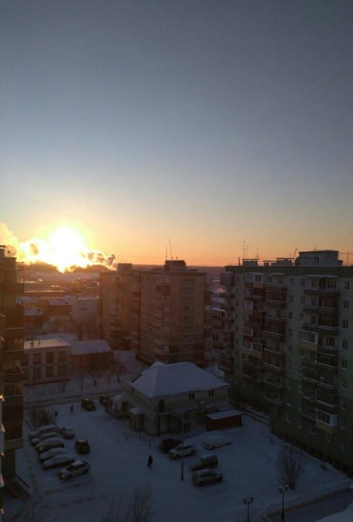 Восходящее солнце в моём городе похоже на вспышку ядерного взрыва