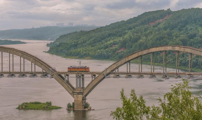 Одинокий электровоз на мосту через Оку. Электровоз, Мост, Фотография, Ока