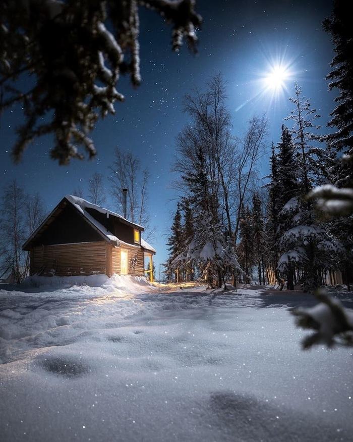 Хижина в лесу Фотография, Красивый вид, Ночь, Звездное небо, Луна, Лес, Хижина, Martina Gebarovska
