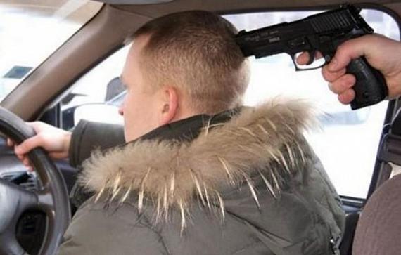 Прыжок таксиста из захваченной вооруженными пассажирами машины попал на видео Иваново, Нападение, Таксист, Видео, Криминал