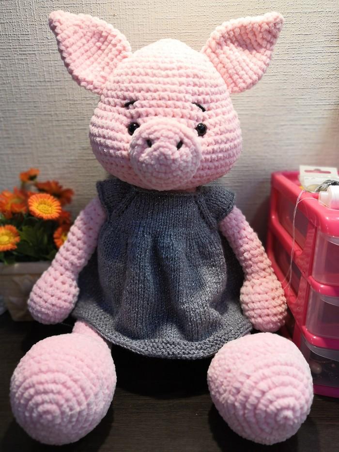 В преддверии Нового года навязала свинок.. Делюсь Вязаные игрушки, Вязание крючком, Вязание, Детские игрушки, Длиннопост
