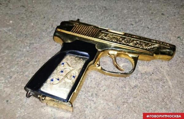 """Кадыров рассказал о своем представителе """"с золотым пистолетом"""" в Крыму Чечня, Крым, Бандиты, Криминал, СМИ"""