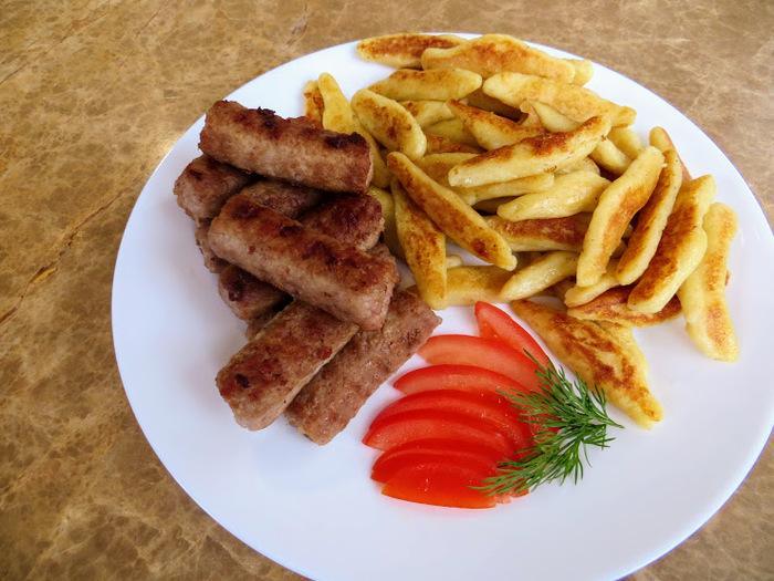 Немецкие клецки schupfnudeln с чесночными колбасками Еда, Колбаса, Клецки, Другая кухня, Рецепт, Видео рецепт, Готовка, Длиннопост, Готовим дома, Видео