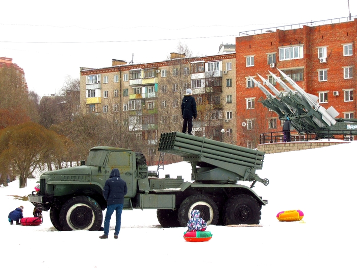 """Я спросил у """"Тополя""""... Мбр, Тополь, Ракета, Град, Зрк, с-125, Дзержинский, Длиннопост"""