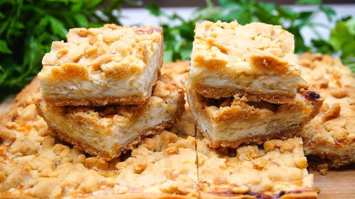 Закусочный пирог с сырками и луком Пирог, Рецепт, Видео рецепт, Еда, Видео, Длиннопост