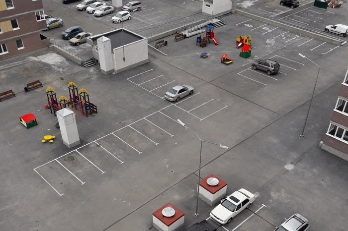 Парковочными местами вымощена дорога в ад Автомобилисты, Городская среда, Парковка, Варламов, Длиннопост