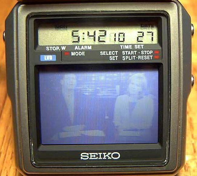Первые в мире часы с телевизором из 80-х Часы, 80-е, Телевизор, Интересное, Гаджеты, Электроника