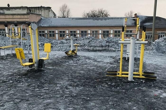 В Кемеровской области выпал черный снег Кемерово, Экология, Снег