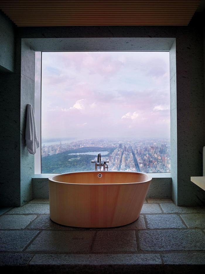 С видом из окна