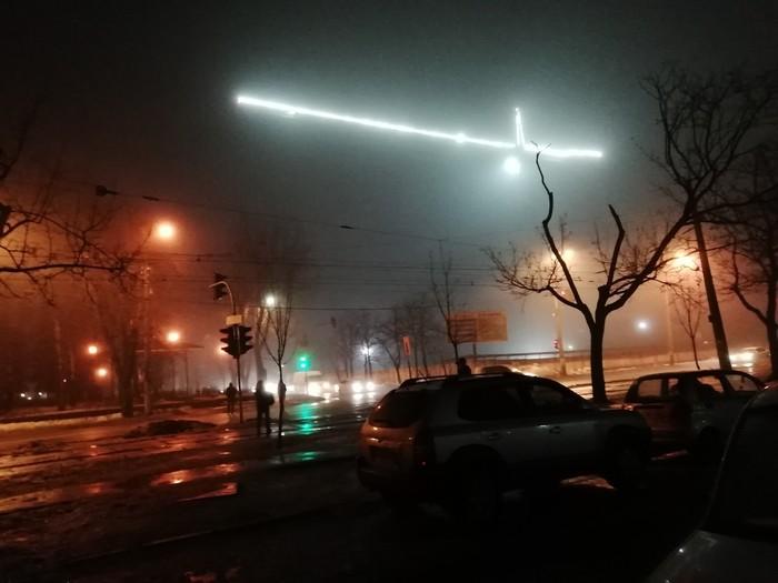 Туман и грузоподъемный кран Туман, Кран, Вечер