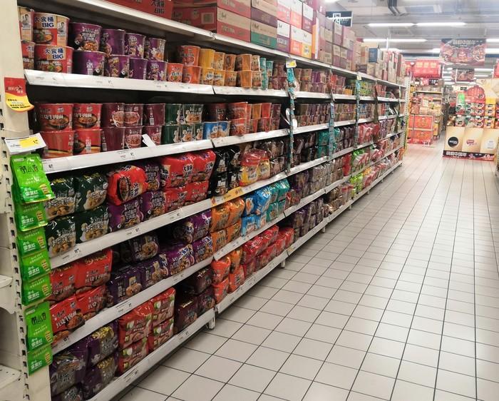 Супермаркет в центральной части Китая, часть 4: Лапша быстрого приготовления (+ видео 'шведский стол') Китай, Супермаркет, Цены, Продукты, Длиннопост, Видео, Еда