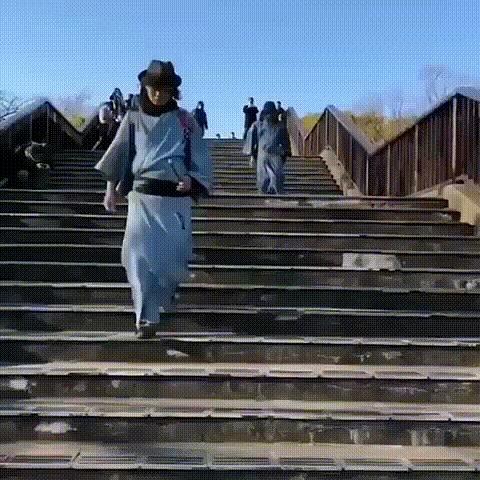 Специально обученные дворники-самураи в Японии