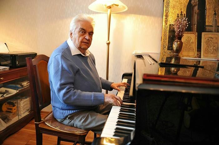 Сегодня исполняется 85 лет потрясающему композитору Евгению Крылатову. Композитор, Детство, Фильмы, СССР, Видео, День рождения, Юбилей