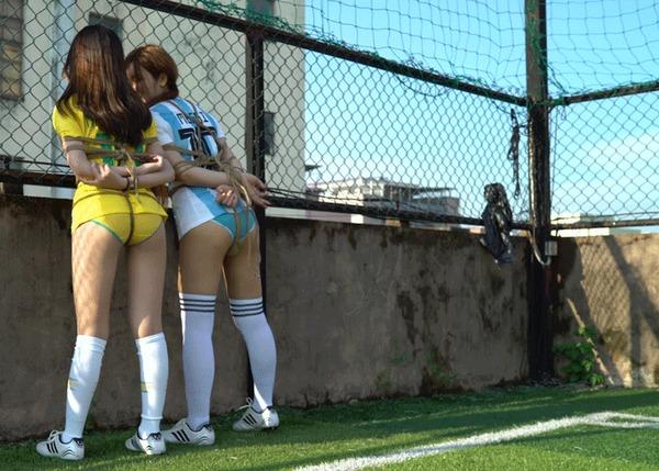 Сегодня играем в футбол! Бондаж, Связывание, Футбол, Гифка, Уголок извращений 18+, Длиннопост