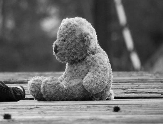 В Улан-Удэ 4-летний ребёнок несколько дней просидел в квартире с мёртвой бабушкой. Бабушка, Внуки, Смерть