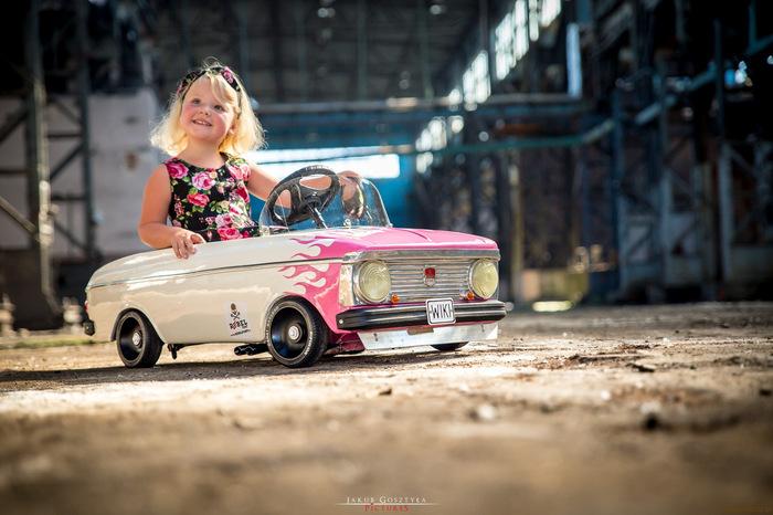 Отец собрал кастом на базе педального «Москвича» для своей дочери Авто, Дети, Москвич, Ретро, Длиннопост