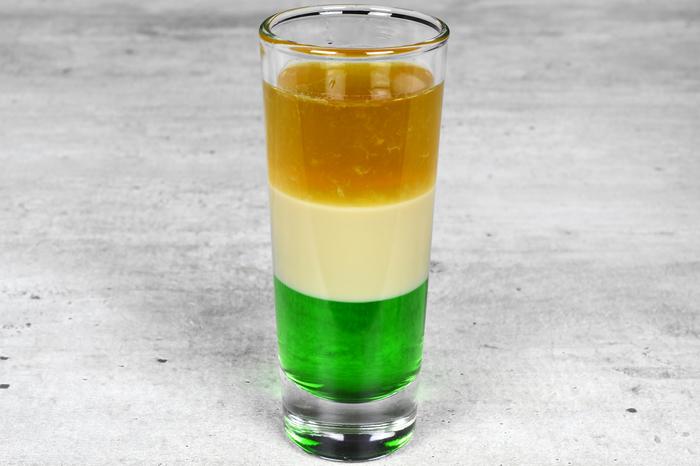 """Коктейль-шот """"Ирландский флаг"""" Алкоголь, Коктейль, Бар, Рецепт, Шот, Флаг, Длиннопост, Ирландия"""