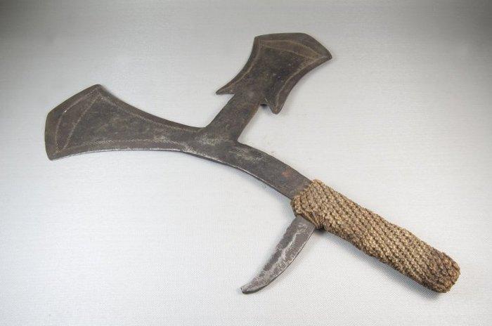 Хунга-Мунга или страшный нож чёрного человека. Метательные ножи, Африка, Редкое и необычное оружие, Видео, Длиннопост