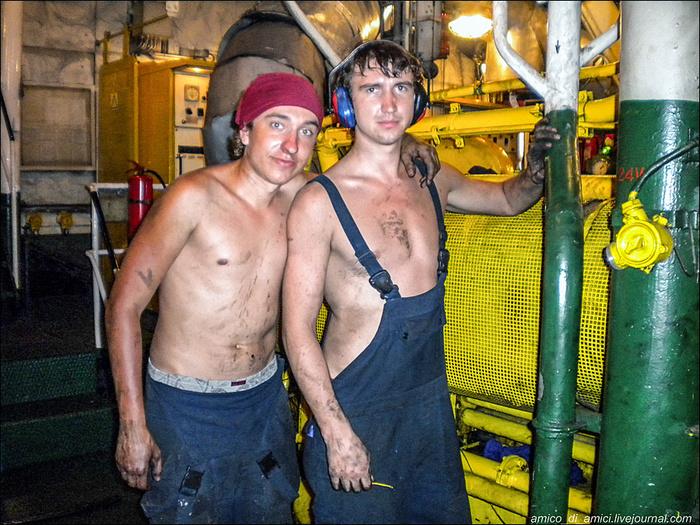 Радист моет руки после гальюна, а механик - перед его посещением Флот, Моряки, Интересное, Мемуары, Как это было, Длиннопост
