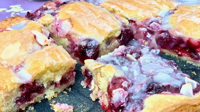 Пирог из замороженной вишни Вишневый пирог, К чаю, Рецепт, Видео рецепт, Выпечка, Видео, Длиннопост, Пирог