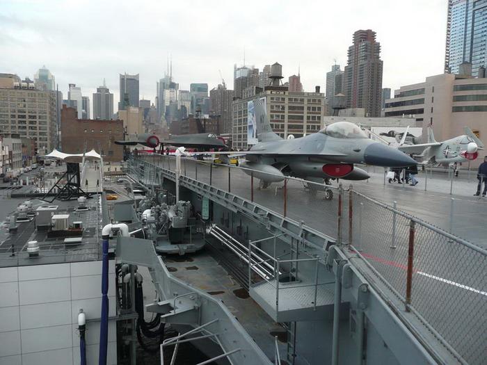 Авианосец-музей «Интрепид».Нью-Йорк США, Нью-Йорк, Авианосец-Музей, Длиннопост