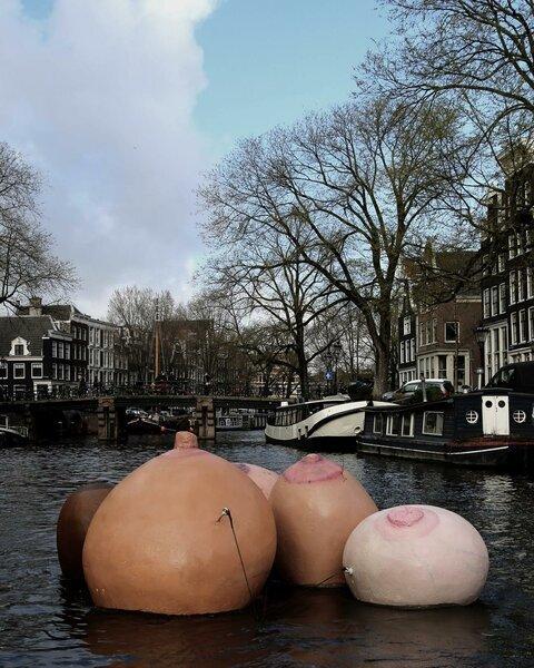 8 марта в Амстердаме Амстердам, Нидерланды, 8 марта, Длиннопост, Сиськи