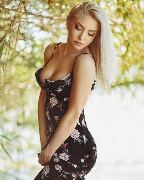 Платье и девушка #202.0