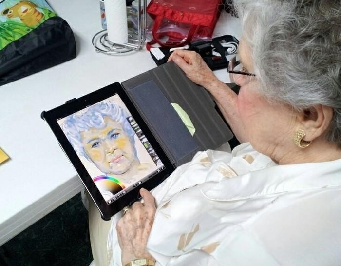 А что ваша бабушка умеет? Бабушка, Искусство, Планшет