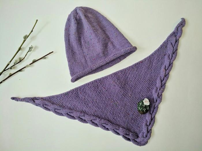 Комплект для дочки (это не стринги,а шейный платок) Вязание, Шапка, Брошь, Кактус, Рукоделие
