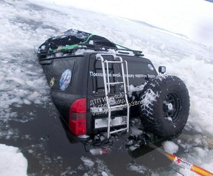 Заманчивое предложение) Лед, Провалился под лёд, Машина, Весна, Байкал, Джип