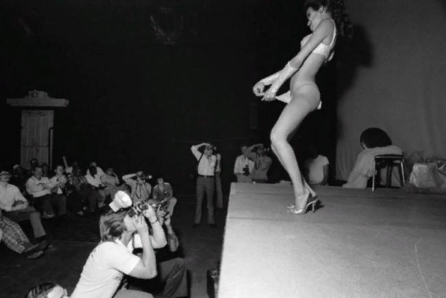 Как добывали эротику до Эпохи Интернета Фотография, Эротика, Ретро, Длиннопост, Черно-Белое фото
