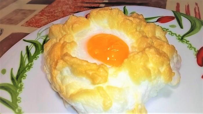 """Воздушная яичница """"облачко"""" Завтрак, Яичница, Кулинария, Видео рецепт, Рецепт, Еда, В духовке, Видео"""