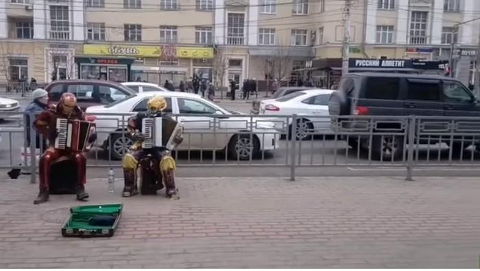 Когда железный человек и Бамблби переехали в Воронеж