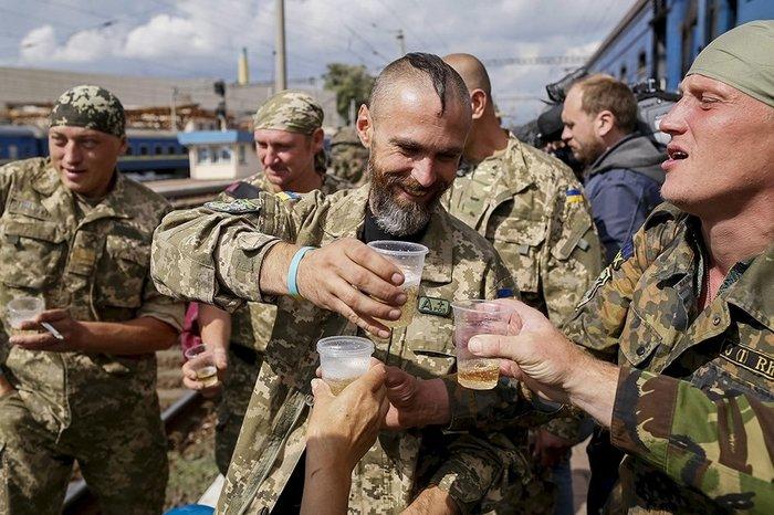 Из мира фантастики: Порошенко рассказал, как ВСУ обучают военных НАТО. Политика, Украина, ВСУ, НАТО