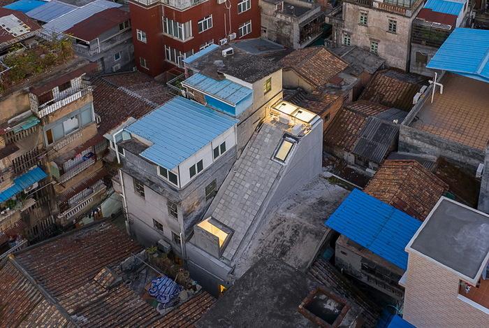 Как втиснуться между домами – крыша над головой для двух художников Китай, Гуанчжоу, Архитектура, Строительство дома, Дизайн, Длиннопост