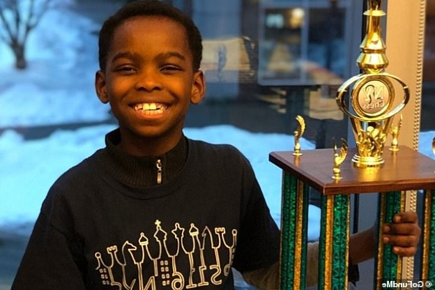 8-летний бездомный беженец из Нигерии выиграл чемпионат Нью-Йорка по шахматам Шахматы, США, Нью-Йорк, Чернокожий, Чемпион, Шахматисты, Беженцы, Мигранты