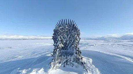 Осталось два трона Игра престолов, Железный трон