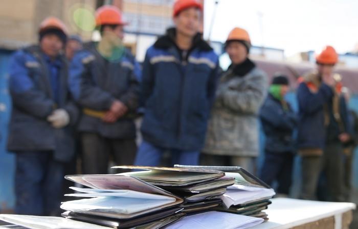 В Якутии расширен перечень видов деятельности, к которым запрещено привлекать иностранцев Якутия, Мигранты, Работа, Запрет