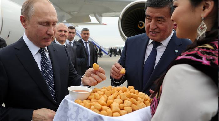 Путин продлил амнистию для мигрантов Киргизии Мигранты, Амнистия, Кыргызстан, Инвестиции, Казахстан, Политика, Нарушение, Логика, Длиннопост