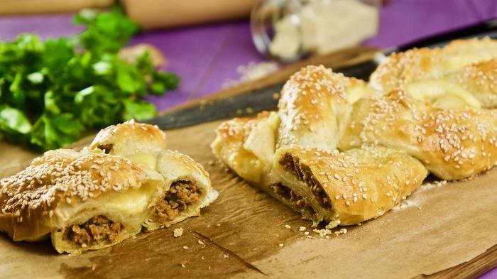 Пирог-косичка с фаршем и сыром Фарш, Пирог, Пирог с мясом, Рецепт, Видео рецепт, Видео