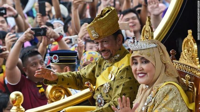 В Брунее разрешили забивать геев и изменщиков до смерти и отрубать руки ворам. Гомосексуализм, Измена, Воровство, Наказание, Закон, Смертная казнь, Бруней, Негатив